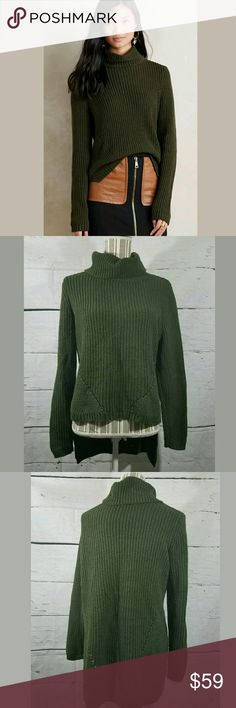 Anthropologie MOTH HILO Sweater Medium Petite Anthropologie MOTH Sweater Women's Medium Petite Turtleneck Boxy Green ---Excellent used condition. No stains or holes.   23 inches pit to pit. 22 inches long in Front. 30 inches long in back.   LB Anthropologie Sweaters