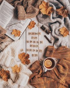 inspiration - -inspiration - - paner los sueteres con otro acomodo de las otras imagenes pero que sea un video con la velita prendida Another flatlay Autumn leaf 🍁 Autumn Vibes Books And Tea, Autumn Aesthetic, Cosy Aesthetic, Autumn Cozy, Fall Wallpaper, Autumn Photography, Photography Books, Fall Pictures, Autumn Photos