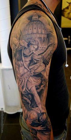 The latest tattoos Detailliertes Tattoo, Grey Tattoo, Black Tattoos, Body Art Tattoos, Tattoo Girls, Tattoos For Guys, St Michael Tattoo, Michael Angelo Tattoo, Archangel Michael Tattoo