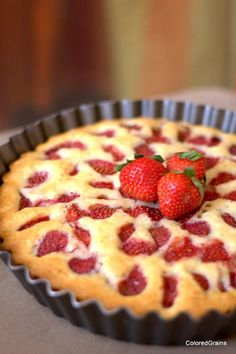 Strawberry Cake~ very simple, top with Vanilla Ice Cream