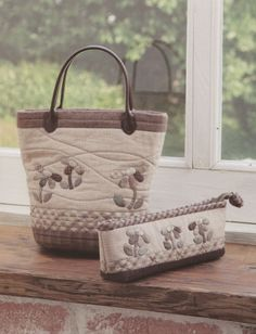 Flower Set shoulder tote Bag Handbag  purse and pencil case sewing quliting quilt patchwork applique pdf pattern patterns ebook. $6.00, via Etsy.
