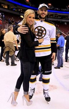 Milan Lucic and his girlfriend.I bet she has a GREAT personality :P Hot Hockey Players, Nhl Players, Hockey Teams, Ice Hockey, Giants Players, Hockey Stuff, Hockey Girlfriend, Hockey Wife, Hockey Girls
