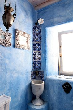 Cycladic blue bathroom, Fiore Arduino, Mykonos