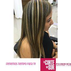 #Colorimetría  ¡Hermosas iluminaciones bicolor para romper con la monotonía y tener un estilo diferente en tu cabello!  Este es un gran trabajo de nuestro talentoso estilista profesional Alejandro Angel.  Nosotros te asesoramos, ¡Tenemos tiempo para ti!