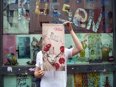 Küssen Siebdruckwerkstatt Küssen is a silkscreen print collective based in Berlin-Friedrichshain. https://www.facebook.com/KuessenSiebdruckwerkstatt