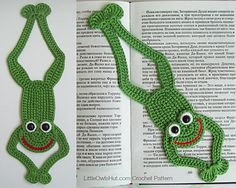 061 Frog Bookmark or decor - Amigurumi Crochet Pattern - PDF file by Zabelina Etsy Crochet Frog, Cute Crochet, Crochet Motif, Crochet Flowers, Knit Crochet, Crochet Bookmarks, Crochet Books, Crochet Gifts, Double Crochet