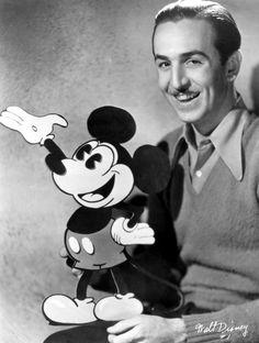 """""""Finché un personaggio non ha una personalità ben definita, nessuno gli crede. Può anche fare delle cose buffe o interessanti, ma se il pubblico non riesce a identificarsi con lui le sue azioni appariranno irreali. E se non vi è caraterizzazione, una storia non può sembrare vera al pubblico"""". Walt Disney #Disney #storiadelcinema #storie #personaggi"""