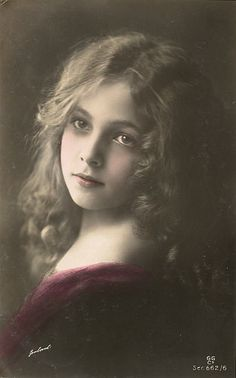 portrait of Victorian girl