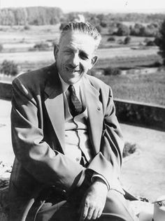 Francis Poulenc French composer & member of the French group Les Six. He composed art song solo piano music chamber music oratorio choral music opera ballet music & orchestral music. Music Is Life, New Music, Piano Music, Piano Art, Francis Poulenc, Ballet Music, Classical Music Composers, Music Images, Music Humor