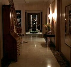 PMD Design Inspirations: Perfect Sets - A Perfect Murder A Perfect Murder, Autumn In New York, Hollywood Homes, Country Interior, Home Tv, Wood Bridge, Beautiful Interiors, Design Inspiration, Interior Design