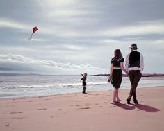 Learning To Fly Richard Blunt Romantic Paintings, Paintings I Love, Oil Paintings, The Singing Butler, Blunt Art, Jack Vettriano, Classy Couple, Seascape Art, Learn To Fly