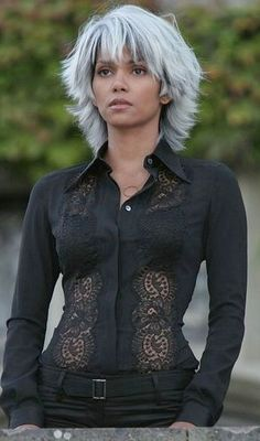 Xmen: Halle Berry as Storm Halle Berry Sexy, Halle Berry Storm, Grey Hair, White Hair, X Men 3, X Men Film, Hally Berry, Non Plus Ultra, Kingsman
