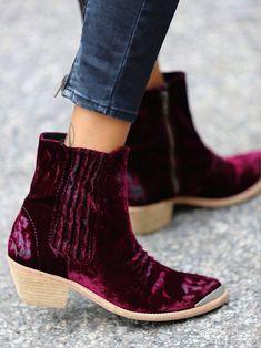 well worn velvet~