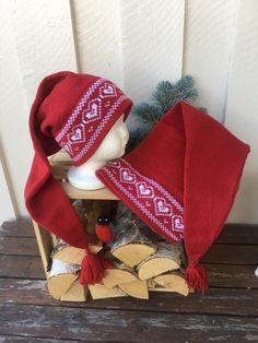 Holiday Hats, Holiday Decor, Knit Crochet, Crochet Hats, Christmas Knitting, Mittens, Christmas Stockings, Crafts, Chopsticks