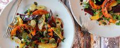Qooking.ch | Salade de courge, betteraves et vinaigrette au chocolat Vinaigrette, Vegetable Pizza, Tacos, Vegetables, Ethnic Recipes, Food, Red Kuri Squash, Gourd, Salads