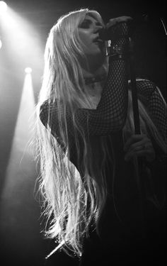 Taylor Momson, Relationship Images, Pretty Reckless, Julia Michaels, Black And White Flowers, Metal Girl, Sabrina Carpenter, Lily Collins, Love Her Style