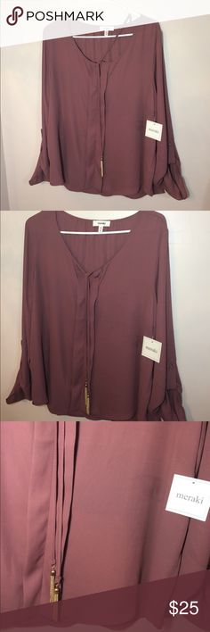 BEAUTIFUL WOMENS BLOUSE 100% Polyester Beautiful top. Only tried on, never worn. meraki Tops Blouses