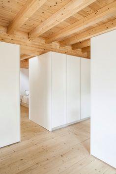 Arresting Rectangular House In Barcelona Exemplifies Simplicity - http://interior-design.info/arresting-rectangular-house-in-barcelona-exemplifies-simplicity/