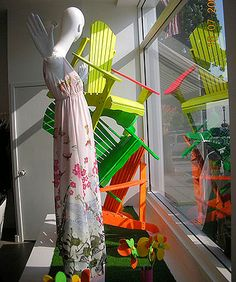 Summer window display by gabriela. what could i do with adirondack chairs. Fashion Window Display, Window Display Design, Store Window Displays, Retail Windows, Store Windows, Summer Store, Visual Display, Retail Design, Visual Merchandising