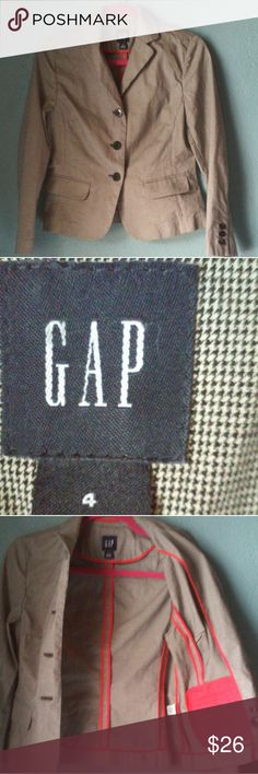 Gap blazer size 4 Gap blazer size 4 gray looking but its actually black and white .. the last picture shows how it actually looks .. The interior is design with a red color that makes it look super cool .. The pockets are just for decoration 😒😅 but it still makes it look nice ... 98%Cotton 2% lycra spandex GAP Jackets & Coats Blazers