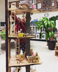 """Let's pretend..."" ✨ Two of my absolute favourite words.  #treehouse #imagination #pretendplay #kindergartenteacher #playislearning #playfullearning #earlyyears #teachersofinstagram #teachersfollowteachers"