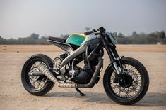 Yamaha R15 by Inline 3 Customs