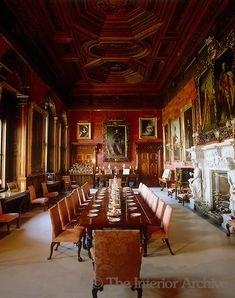 The dining room has an ornately carved ceiling in Brunswick pine and the walls are covered in gilt-framed ancestoral portraits ~ Alnwick Castle English Country Manor, English Manor Houses, British Country, English Style, Alnwick Castle, Chateau Medieval, Palace Interior, State Room, Style Retro