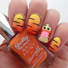 Tigger Inspired Nails. Love Tigger. Need to do this!