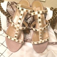 ⚡️Valentino ROCK STUD sandals SOLD OUT! Rare white Valentino flats with gold studs & white leather gorgeous perfect for this summer! Comes with everything! Good condition gently worn couple times. Happy to post more pics for serious buyers lmk any questions ? No trades!‼️no pp! Valentino Shoes Sandals