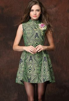 Green Stand Collar Sleeveless Embroidered Dress