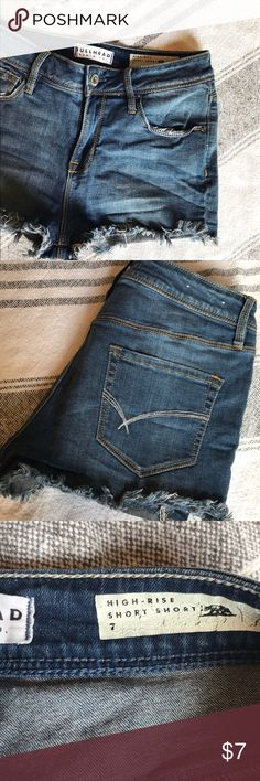 High-rise medium washed shorts Gently worn. Comfortable, soft denim. Bullhead Shorts Jean Shorts