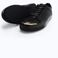 5719/302/040 SNEAKERS WITH GOLD METAL IN THE TOE from Zara
