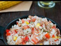 Ensalada de Arroz con Atún, es una ensalada fría ideal para esos días de verano. Una opción saludable que puedes personalizar a tu gusto. Cold Lunches, Lunches And Dinners, Carnitas, Grains, Salads, Rice, Vegetables, Orzo, Food