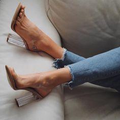 """2,899 """"Μου αρέσει!"""", 115 σχόλια - M  A  R  G  A  R  I  T  A 🥀 (@ritamargari) στο Instagram: """"cinderella shoes 💎 #nude @simmishoes . . . . . . #highheels #highheelshoes #highheelsmurah #heels…"""""""