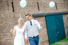 Labude Braut in unserer Aveline: Zarte Spitze im Vintagestil
