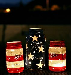 Stars and Stripes Lanterns by Mason Jar Crafts Love and other cute and easy Memorial Day, Fourth of July, Labor Day and patriotic DIY decorations! Mason Jar Projects, Mason Jar Crafts, Crafts With Mason Jars, Baby Food Jar Crafts, Holiday Crafts, Holiday Fun, Party Crafts, Festive, Fun Crafts