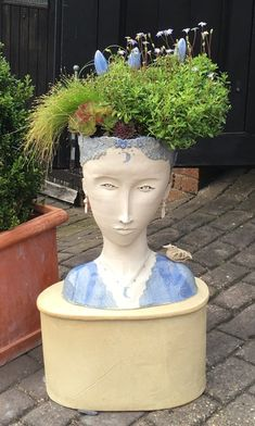 New Garden Art Sculptures Head Planters Ideas Face Planters, Flower Planters, Ceramic Planters, Flower Pots, Planter Pots, Planter Ideas, Sculpture Head, Garden Sculpture, Art Sculptures