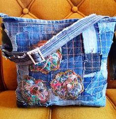 Одноклассники Jean Purses, Purses And Bags, Blue Jean Quilts, Denim Handbags, Denim Crafts, Recycle Jeans, Art Bag, Recycled Denim, Denim Bag
