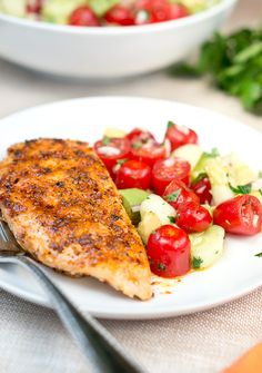 This honey chipotle chicken is SO good! I added Tomato, Cucumber and Avocado Salad as a side and it was the perfect quick & easy weekend dinner. It was an easy and delicious dinner I made last Saturday for me and my husband. I know you will love this one, and nothing beats an easy summer dish…