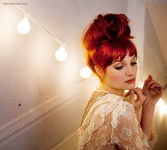 03/100 photos of Alison Sudol.