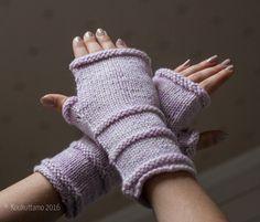 Fingerless gloves | Auvo worsted yarn | Superwash merino | Koukuttamo | Kämmekkäät