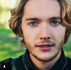 I feel like all my male characters have been thus far described as dark hair and eyes but I am developing the character and I want him to be different than Kelby. Reign Mary, Mary Queen Of Scots, Queen Mary, Toby Regbo Reign, Marie Stuart, Reign Tv Show, Ellie Kemper, The Last Kingdom, Types Of Guys