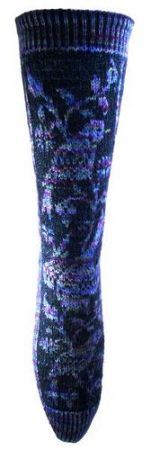 Nightingale is a toe-up, stranded colour work sock that uses just two yarns; one variegated and one almost solid. Pick two colours that contrast well with each other for maximum effect.