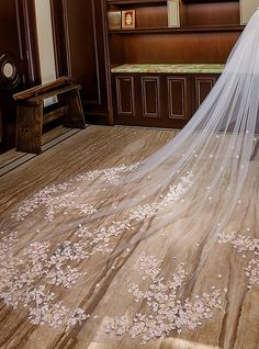 DressilyMe Bridal Dresses Online,Wedding Dresses Ball Gown, n stock gorgeous tulle cathedral wedding veil with lace appliques comb Cathedral Wedding Veils, Cathedral Length Veil, Bridal Wedding Dresses, Lace Wedding, Wedding Flowers, Lace Applique, Wedding Trends, Wedding Ideas, Marie