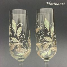 Wedding flutes.Champagne toasting glasses Pearl wedding