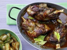 The Braised Lamb Shank recipe out of our category Lamb! EatSmarter has over healthy & delicious recipes online. Easy Cooking, Cooking Recipes, Lamb Shank Recipe, Braised Lamb Shanks, Austrian Recipes, German Recipes, Tandoori Chicken, Food And Drink, Yummy Food