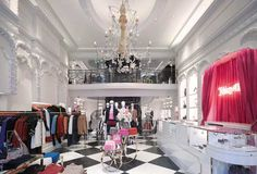 JUICY COUTURE MRA designs new London flagship store for Juicy Couture Photos courtesy by Nick Guttridge