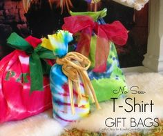 No-Sew T-Shirt Gift Bags from @ILoveto Create - a fun (and thrifty) alternative to Christmas gift wrap