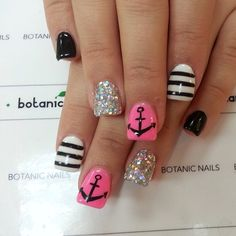 Cute anchor nails