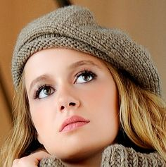 Beige beret 100 % delicious by Vinntagefac on Etsy